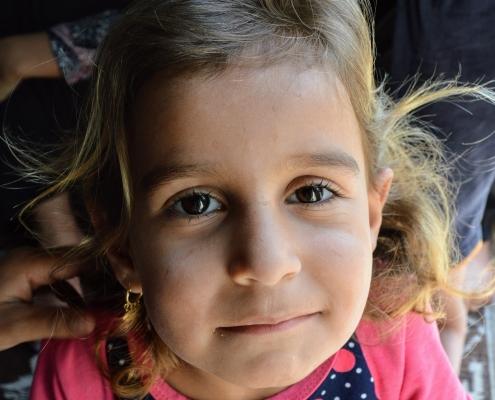 Meisje in vluchtelingenkamp